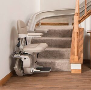 stair-lift-bruno-elite-curved-indoor-bottom-of-steps-630x620